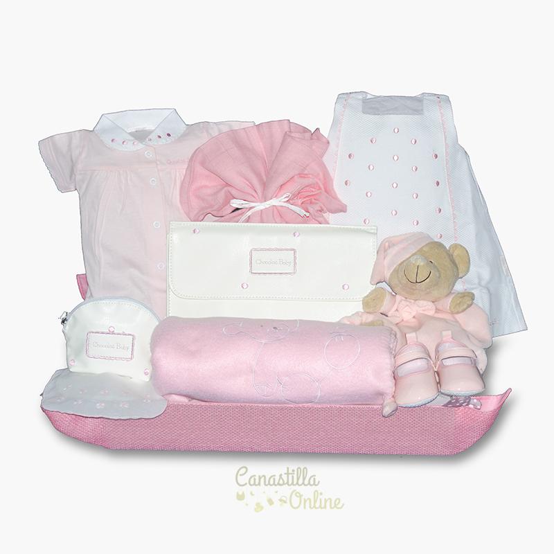 623c240aa Completa canastilla para bebé con ropa de vestir
